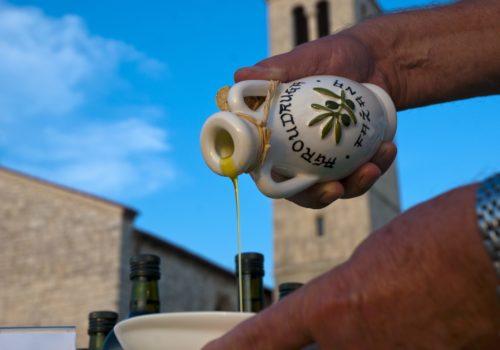 Olivenöl und Weinstrassen
