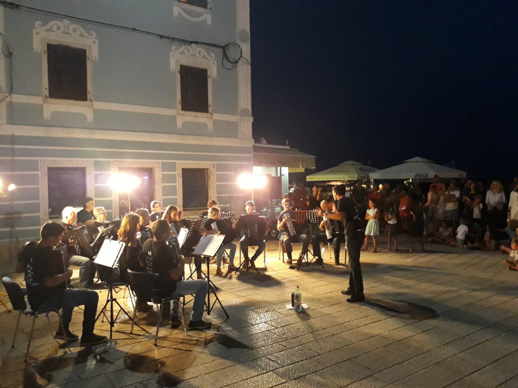 Promenaden konzert des Kultur- und Künstlervereins Istrien (OKUD Istra)